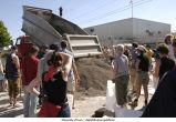 Volunteers fill sandbags outside Main Library, The University of Iowa, June 13, 2008