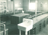 Home economics laboratory and cooking classroom, The University of Iowa, 1920s
