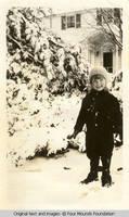 Vidie in snowsuit