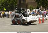 Skid loader brings more sandbags, The University of Iowa, June 14, 2008