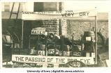 Mecca Day Prohibition parade float, The University of Iowa, 1916