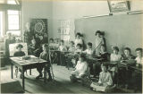 Class lesson on agriculture, The University of Iowa elementary school, 1920s