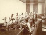 Quantitative analysis class, 1890