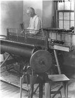 Emil Schaufuss at his loom