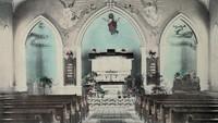 St. Paul Lutheran Church in Garnavillo, Iowa -1903 interior