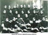 Iowa coach Alden Knipe with football team, The University of Iowa, 1901