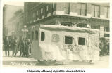Cable car float in Mecca Day parade, The University of Iowa, 1919