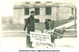World War I peace treaty political statement in Mecca Day parade, The University of Iowa, 1920