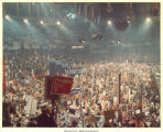 Auditorium with delegates holding Pres. Ford signs at the Republican National Convention, Kansas City, Mo., August 1976