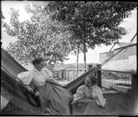 UP503 Two women and hammock