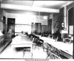 Botanical lecture room in Old Science Hall, The University of Iowa, 1900s