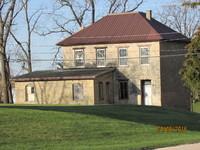 Garnavillo Stone Schoolhouse