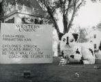 Delta Delta lawn display, Homecoming, 1951