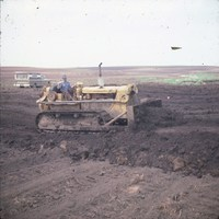 George Voss building terraces in Cherokee County, Iowa.