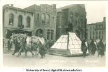 Mecca Day parade on Clinton Sreet by Unity Hall, The University of Iowa, 1914