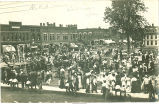 People at Masonic Women's Auxiliary picnic, Clarion, Iowa, 1900s
