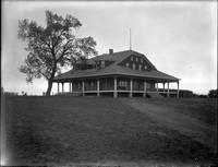 BP 101  Burlington Golf Club clubhouse