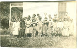 Mesquakie Indian Settlement children, Tama, Iowa, September 12, 1915